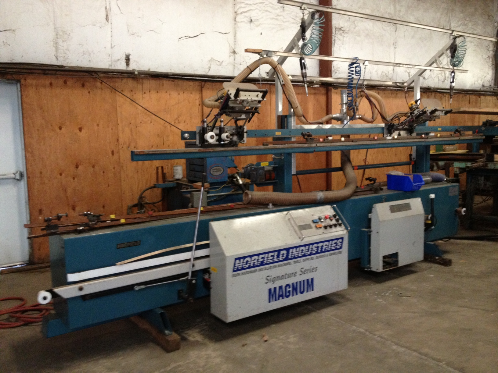 2002 NORFIELD SIGNATURE MAGNUM DOOR MACHINE & 2002 NORFIELD SIGNATURE MAGNUM DOOR MACHINE - Dilco.net
